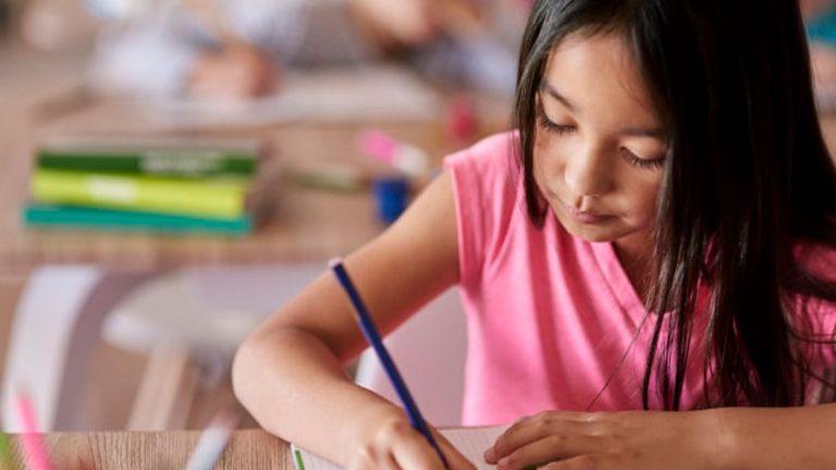 tips mendampingi anak mengerjakan PR